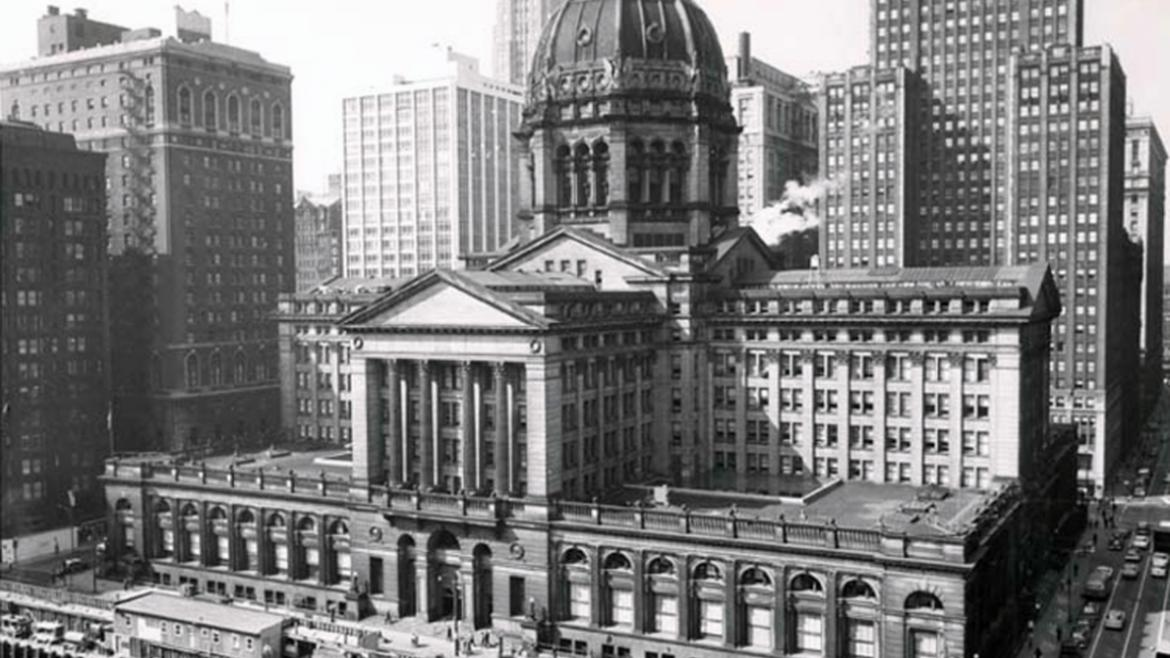 The enormous Chicago Federal Building was located between Adams and Jackson streets and Clark.