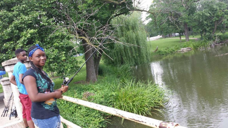 Fishing_at_Garfield