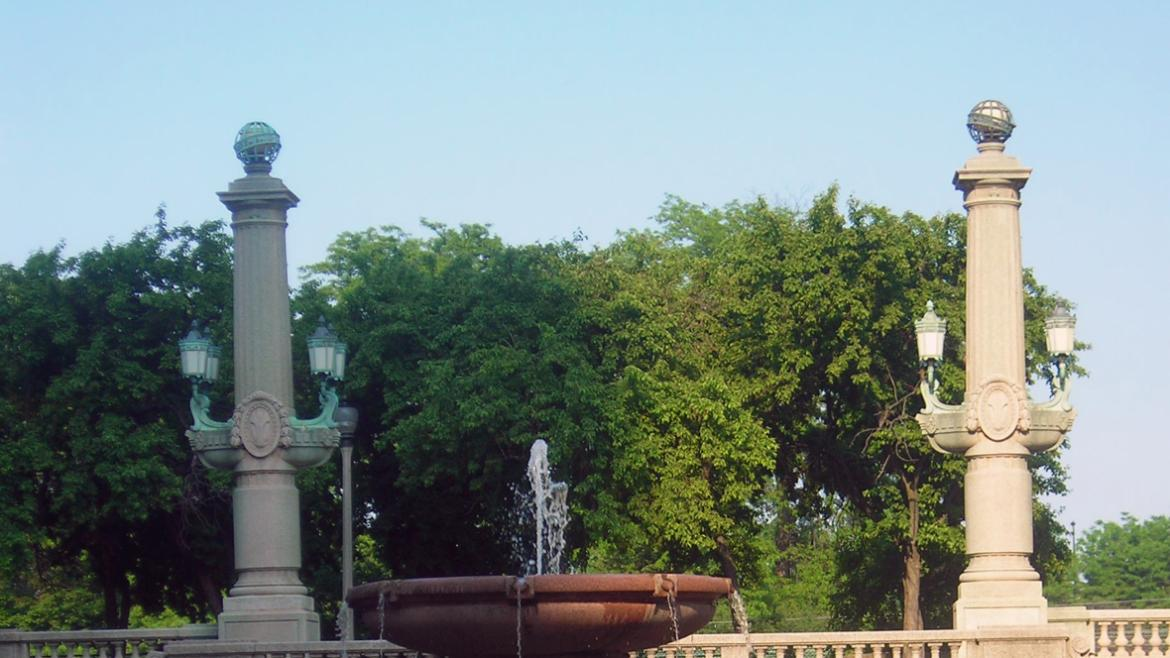 Edward H. Bennett's classically inspired elements for Grant Park such as bridges, pylons, ballustrad
