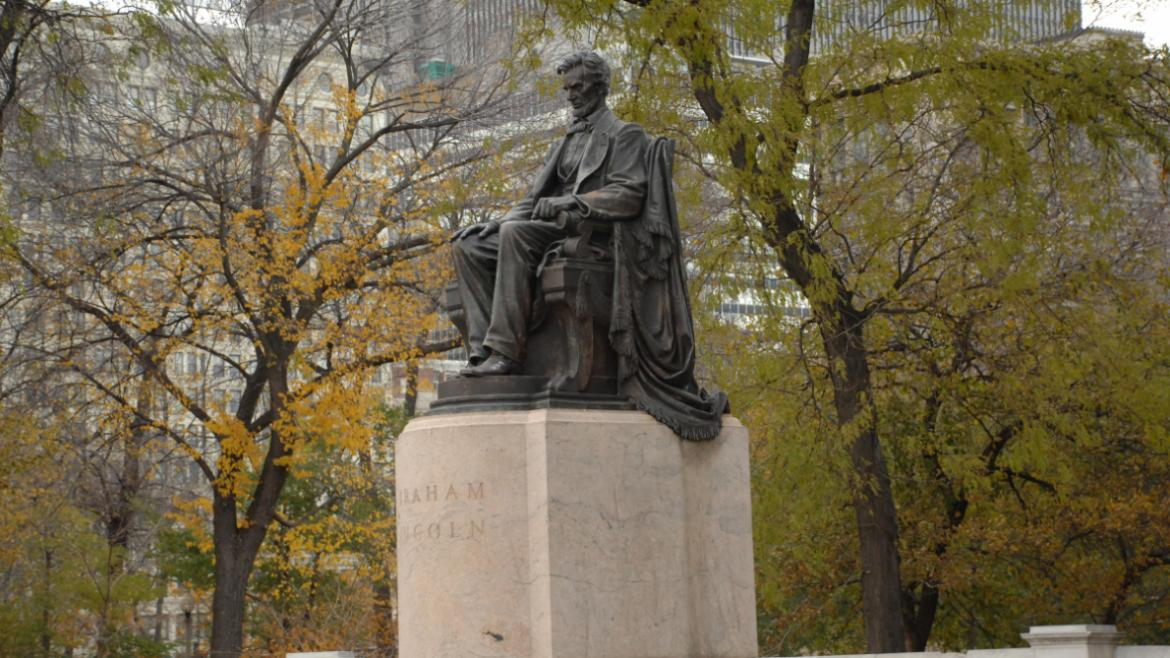 This is the second Lincoln monument produced by Saint-Gaudens for a Chicago park.