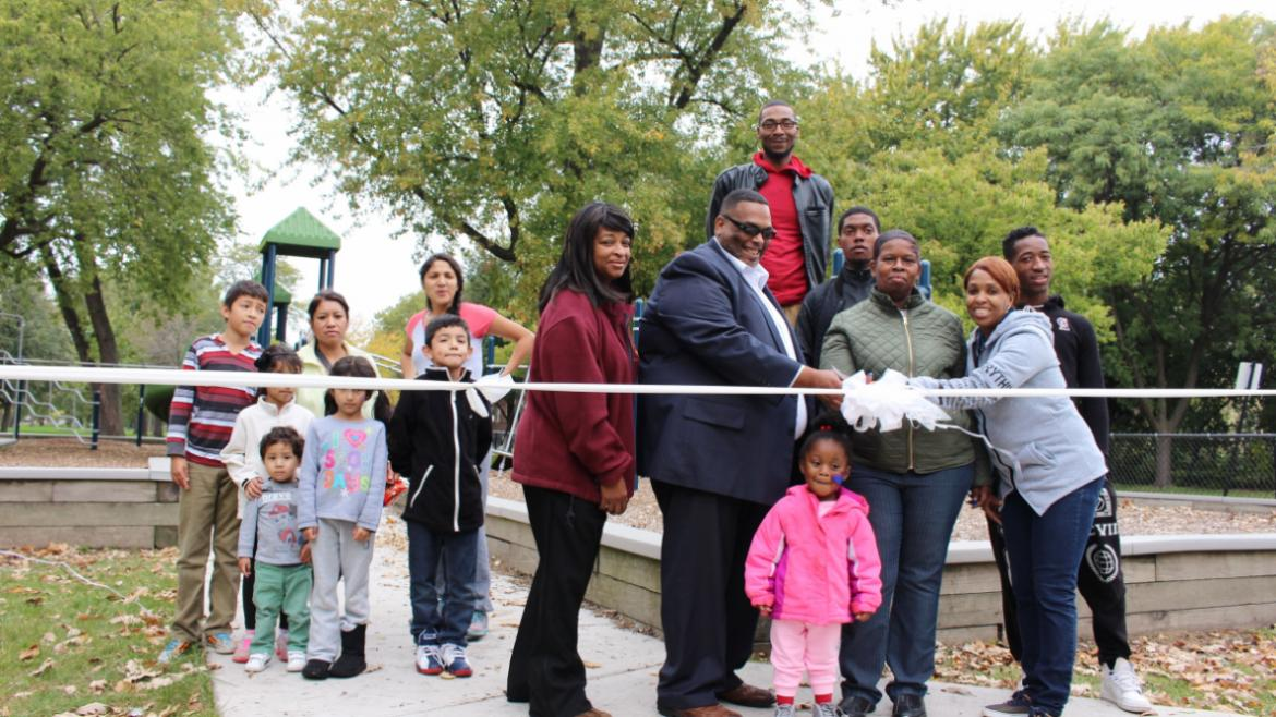 Ribbon cutting with Columbus Park staff, Alderman Chris Taliaferro and the community!