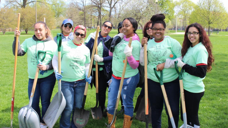 Humboldt Park volunteers from Target!