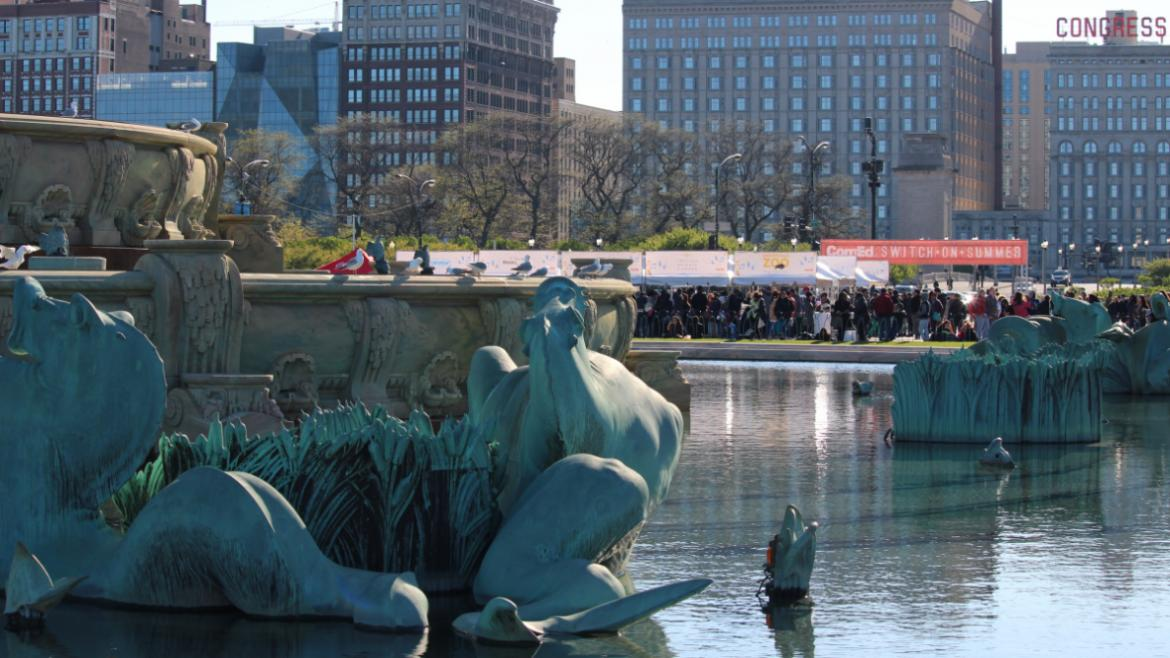 The crowd gathers awaiting the moment the fountain is turned on!