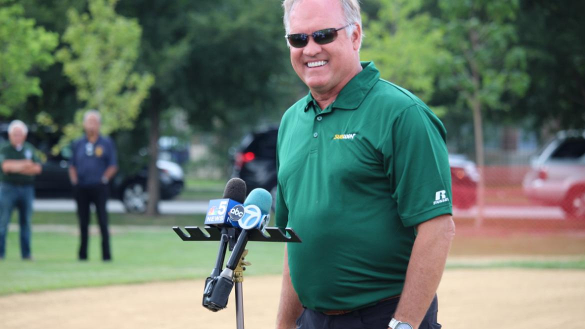 Sandberg answered questions from Garfield Park Little League players