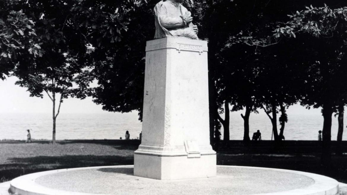 The original Emanuel Swedenborg Memorial stood in Lincoln Park from 1924 until it was stolen in 1976