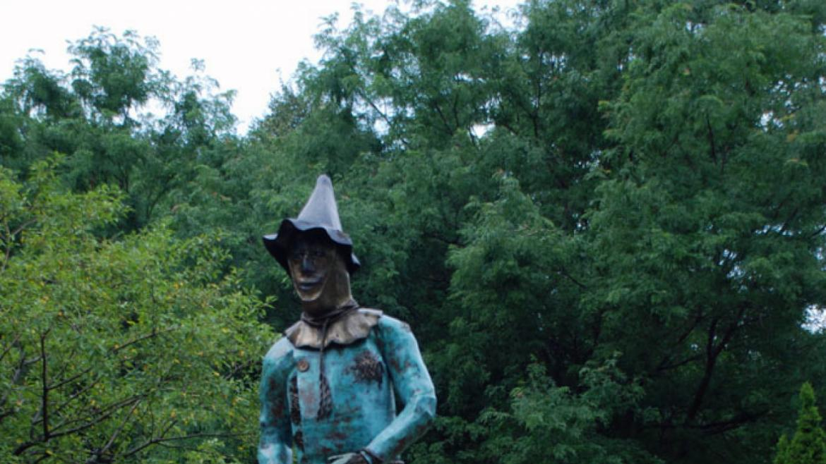 """The Oz Park Advisory Council accepted donations for the sculptures under the categories."