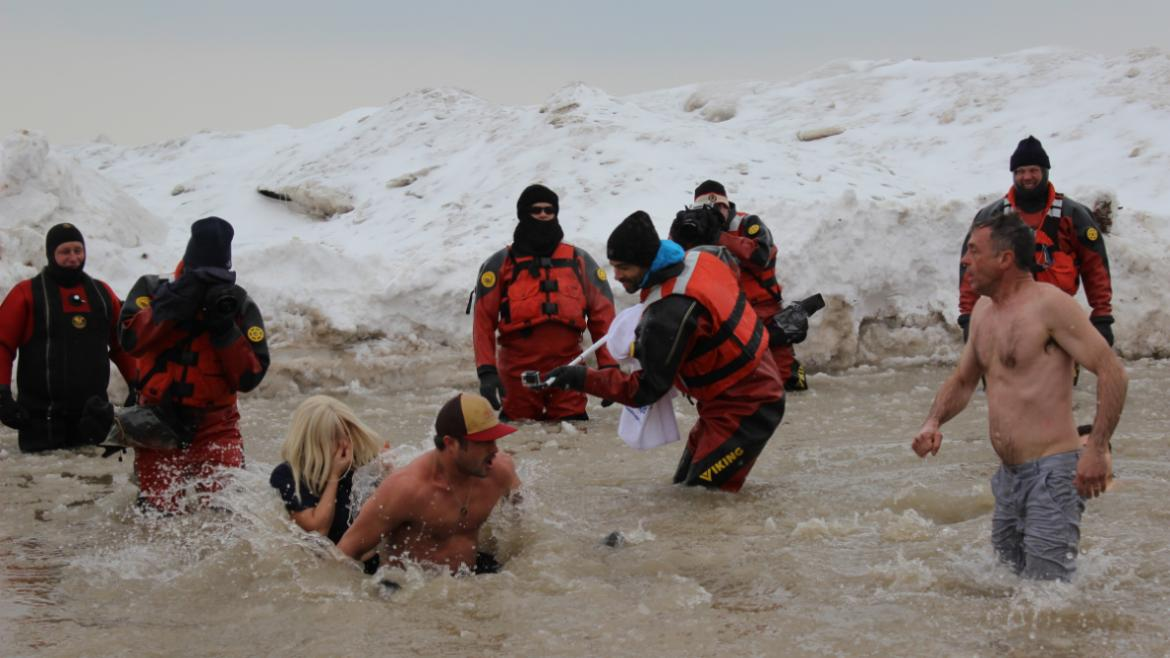 Taylor Kinney, Lady Gaga, and David Eigenberg taking the plunge for a great cause, Special Olympics!