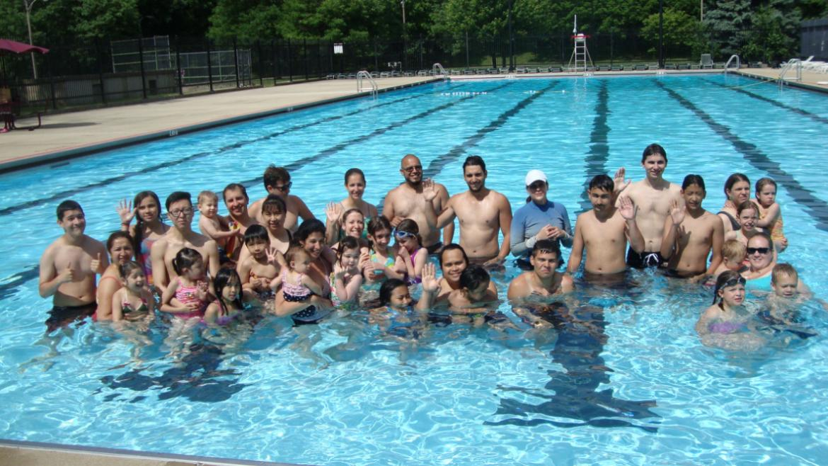 World's Largest Swimming Lesson group at River Park.