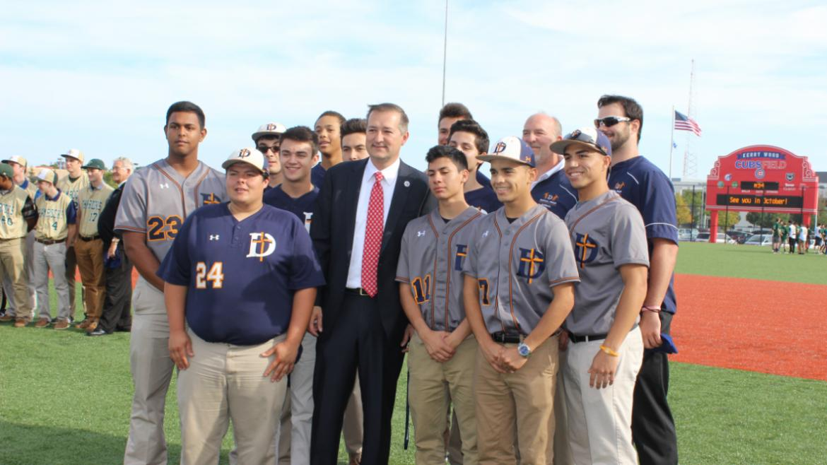 Team Diamondbacks with Cubs chairman Tom Ricketts