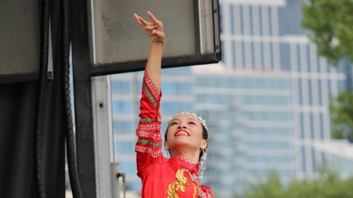 The Chicago Hua Xing Art Troupe performs at Shakespeare in the Park at Ping Tom Park