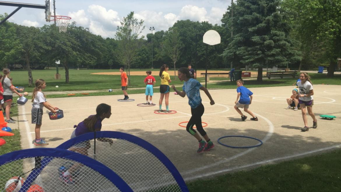 indian_road_sports_camp_2015_bb_court_kids