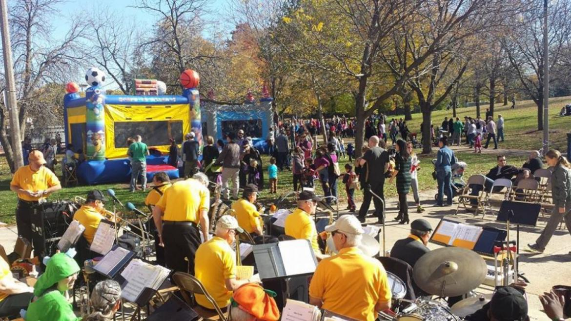 The Horner Park Jazz Band entertains patrons at the Pumpkin Patch