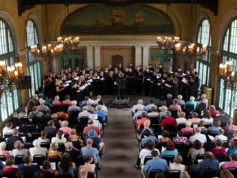 Grant Park Chorus at Columbus Ref
