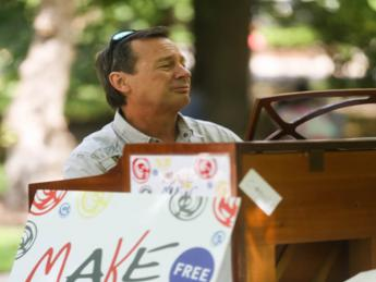 Pianos in the Parks at McKinley