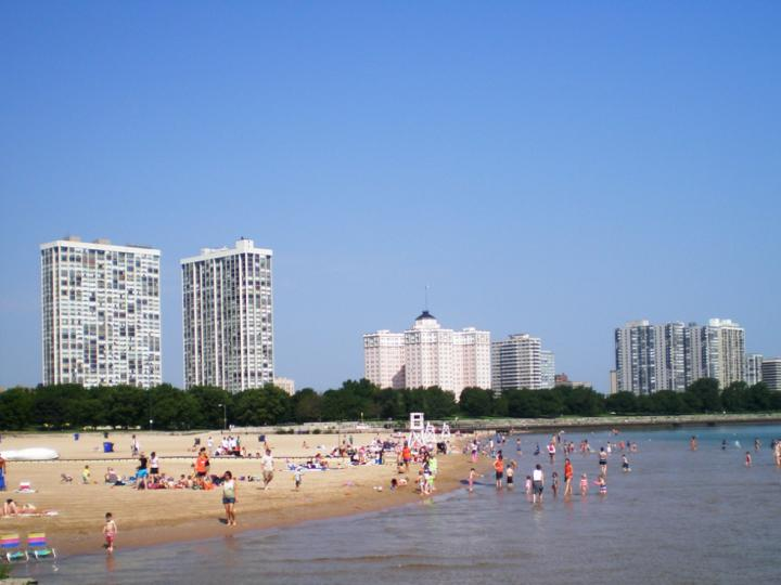 Overview of Foster Ave Beach