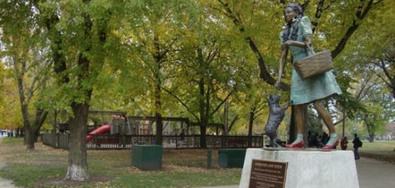 Oz Park - Dorothy Sculpture