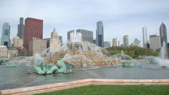 A view of Clarence F. Buckingham Memorial Fountain with the city skyline in the background