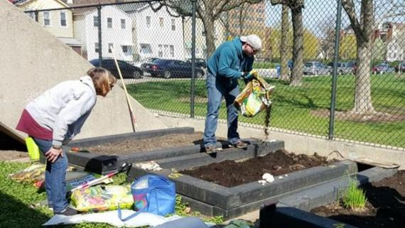 Eckhart Park Community Garden