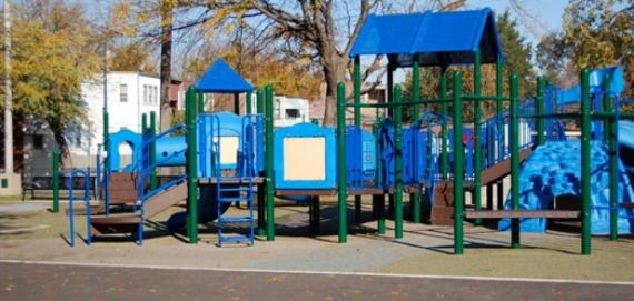 Woodhull Park Playground