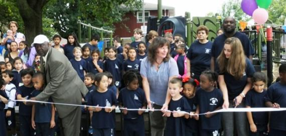 The community hosting the ribbon cutting for the Chicago Play! playground