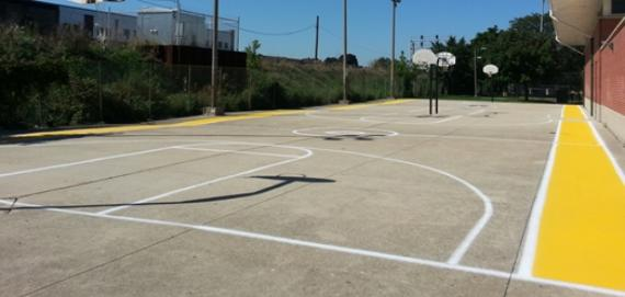 Mozart Outdoor Basketball Court