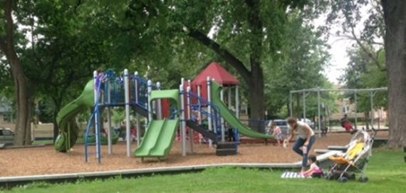 new Chicago Plays! playground renovation at Hollywood Park