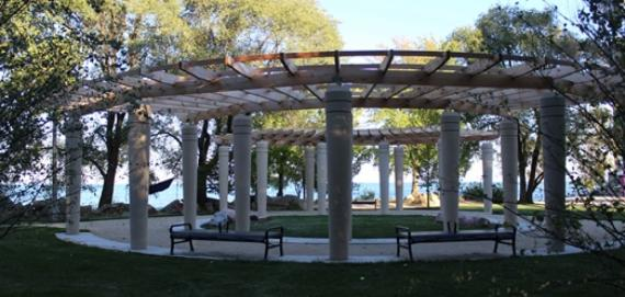The pergola at Hartigan Beach