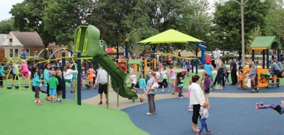 Chicago Plays! playground at Hiawatha Park