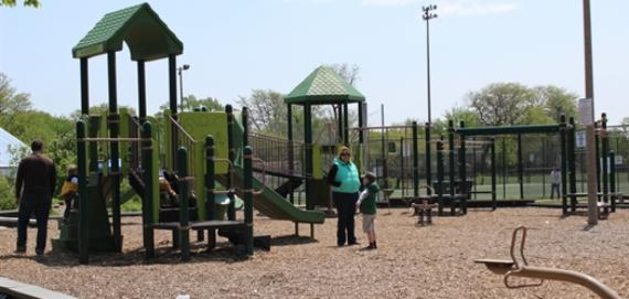 Kilbourn Park Chicago Plays Playground.